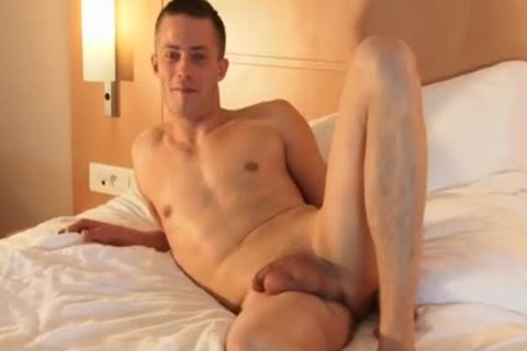 Full video: A virginal str8 Neighbour Serviced His large rod By A lad!